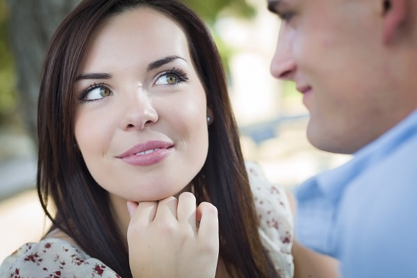 How To Keep A Man Interested Online Dating