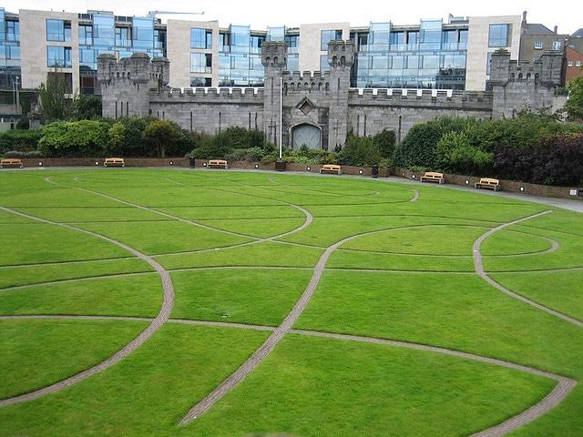 Dubh Linn Gardens_Dublin