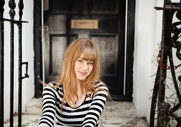 Laura Yates 2